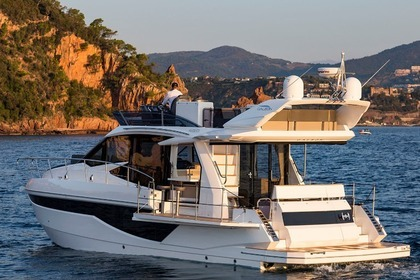 Hire Motorboat GALEON 460 FLY Šibenik