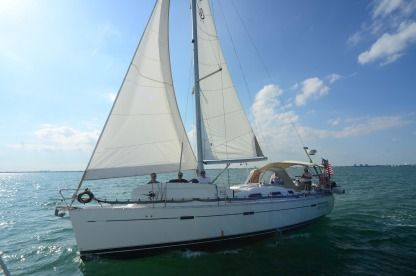 Charter Sailboat Beneteau 40 Miami