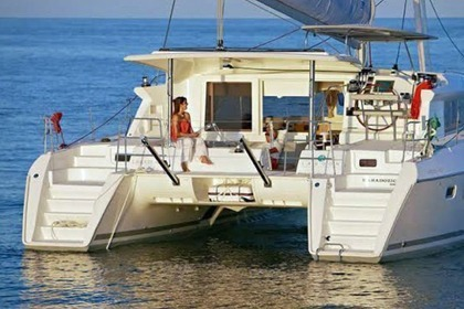 Hire Catamaran LAGOON 421 Laurium