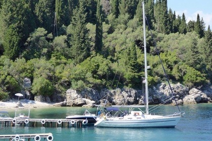 Hire Sailboat BAVARIA 38H Corfu
