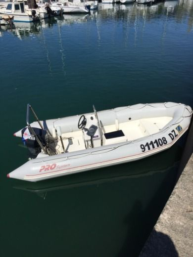 Charter rIB in Douarnenez peer-to-peer
