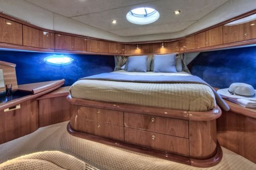 Motorboat Sunseeker Manhattan 64 peer-to-peer
