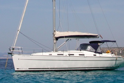 Hire Sailboat BENETEAU Cyclade 39 Rogliano
