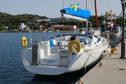 Rental Sailboat BENETEAU CYCLADES 43.4 Corfu