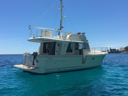 Beneteau Swift Trawler 34 in Beaulieu-sur-Mer for hire