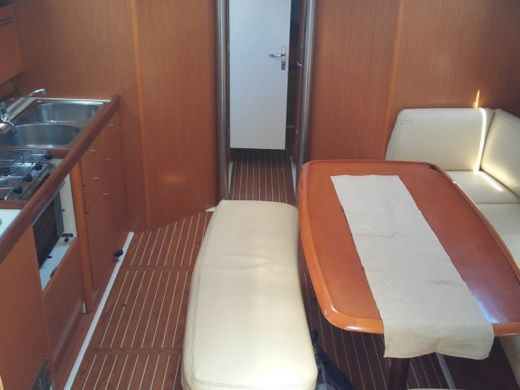 Beneteau Cyclades 43.4 in Athens for rental