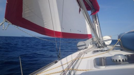 Sailboat Dufour 43  Classic for hire