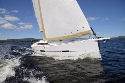 Hire Sailboat Dufour Dufour 412 GL Plattsburgh