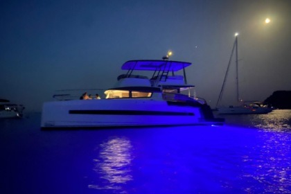 Location Yacht Bali - Catana 4.3 MY Port Mahon