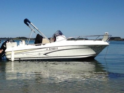 Rental Motorboat Beneteau Flyer 650 Open Arzon