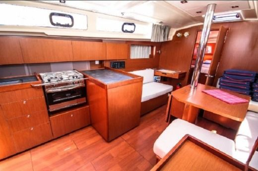 Sailboat Beneteau Oceanis 41.1 peer-to-peer