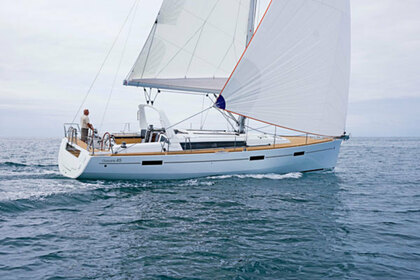 Rental Sailboat BENETEAU OCEANIS 45 Port de Pollença