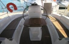 Charter Sailboat Bavaria 37 Cruiser Trogir