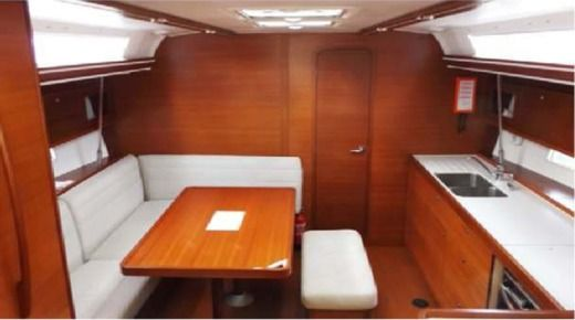 Sailboat Dufour 450 Grand Large peer-to-peer