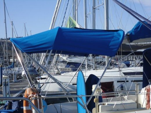 Sailboat Beneteau 390 peer-to-peer