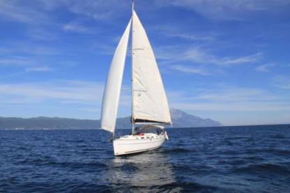 Rental Sailboat Beneteau Cyclades 39.3 Nea Moudania