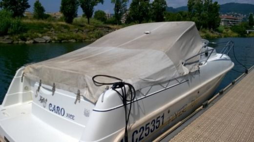 Beneteau Flyer 701 in Mandelieu-La Napoule for hire