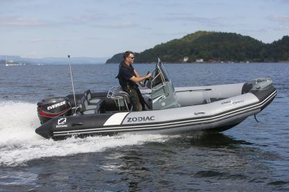 Location Semi-rigide Zodiac Pro Open 550 Ultimate Edition Sainte-Gemmes-sur-Loire