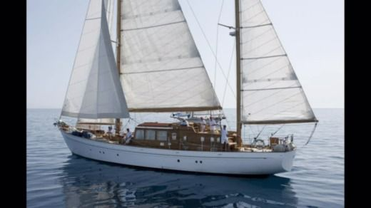 VIUDES  LAURENT GILES KETCH BERMUDIEN in Saint-Tropez for hire
