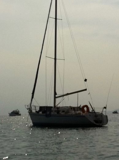 Sailboat GIBERT MARINE GIBSEA 312 for hire
