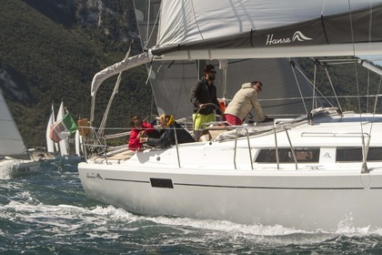 Hire Sailboat HANSE 385 Amalfi