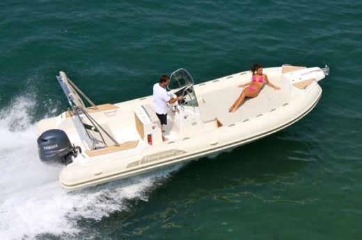 Location capelli tempest 700 luxe empuriabrava click boat - Meilleur semi rigide ...