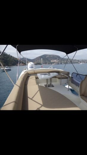 Charter Motorboat Azimut 43 Fly Cannes