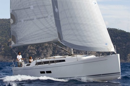 Rental Sailboat GRAND SOLEIL 39 Šibenik