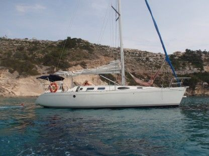 Charter Sailboat Beneteau First 38S5 Mallorca