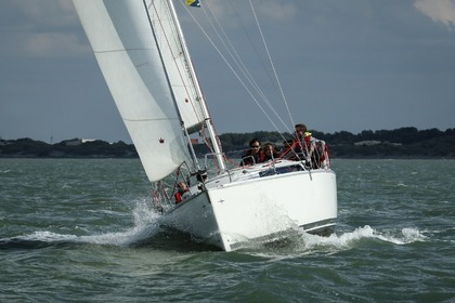 Hire Sailboat BAVARIA Easy 9.7 Nieuwpoort