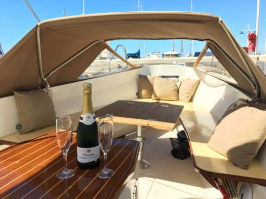 Bellus 580 in Antibes for rental