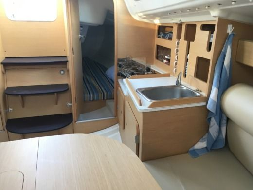 Location Voilier Beneteau First 27.7 Saint-Raphaël