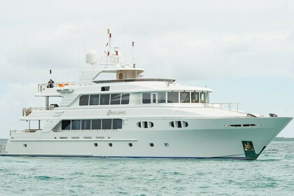 Hire Motor yacht Richmond 149 Nassau