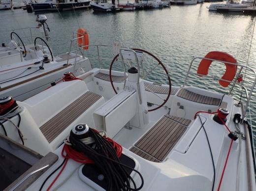 Jeanneau Sun Odyssey 36 I in Lorient for hire
