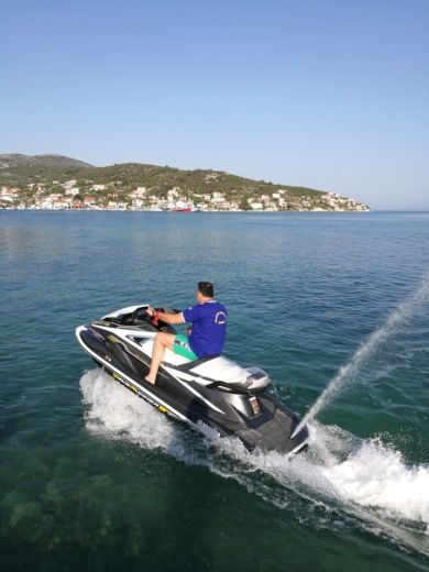 Jet ski Yamaha Wave Runners Vx Cruiser Ho 180 Hp for rental
