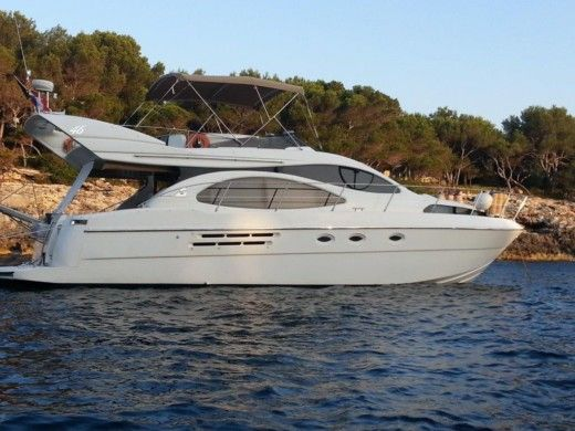 Azimut 46 in Roses peer-to-peer