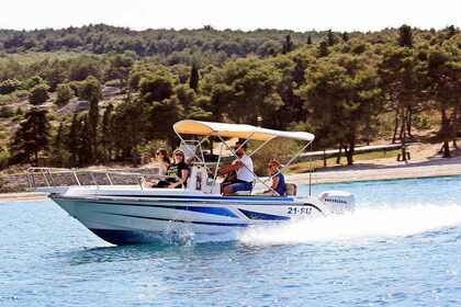 Hire Motorboat Elan 22 cc Supetar