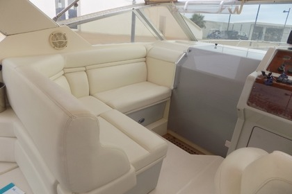 Rental Motorboat CRANCHI 32 Salerno
