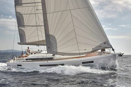Charter Sailboat Jeanneau Sun Odyssey 490 Road Town