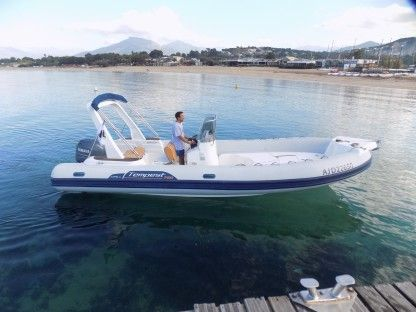 Location Semi-rigide Capelli Tempest 750 Ajaccio