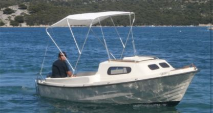 Charter Motorboat Adria 500 Cabin Vodice