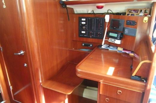 Sailboat Beneteau 473 for hire