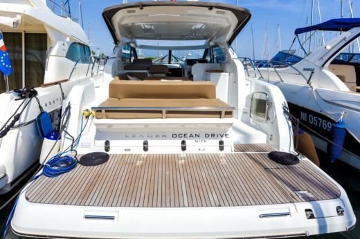 Motorboat Jeanneau Leader36