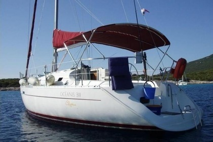 Hire Sailboat BENETEAU OCEANIS 311 CLIPPER Antibes