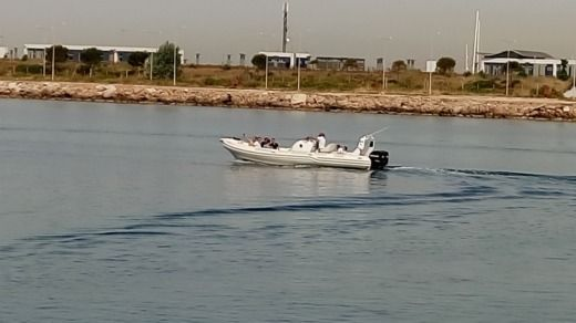 Mostro Top Gun 31 in Lavrio for hire