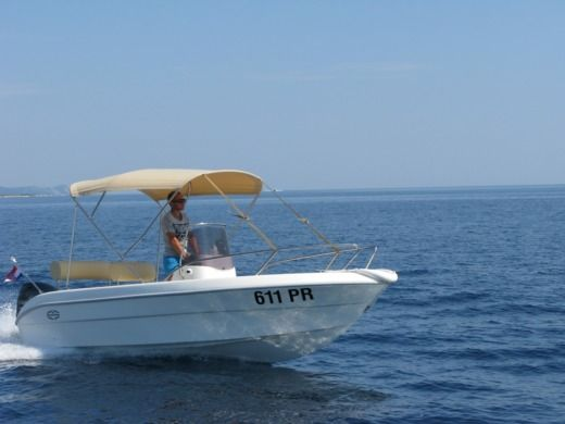 Motorboat Sessa Key Largo 17 for rental