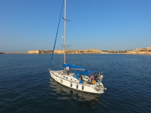 Beneteau Oceanis 423 in Malta peer-to-peer