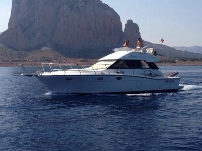 Charter Motorboat Uniesse 44 Trapani