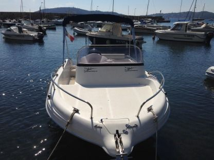 Charter Motorboat Polyfactor Pacific Craft 5.70 Wa Toulon