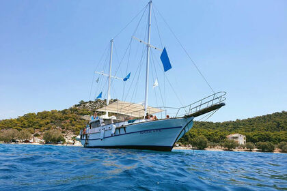 Hire Motor yacht Daily Cruises for individuals or groups, Traditional Gullet, Wooden Yacht Piraeus